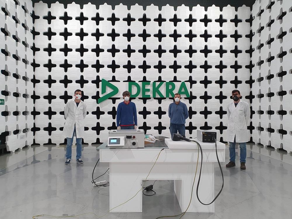 The team involved in 'Andalusia Breath' project at DEKRA laboratory in Malaga